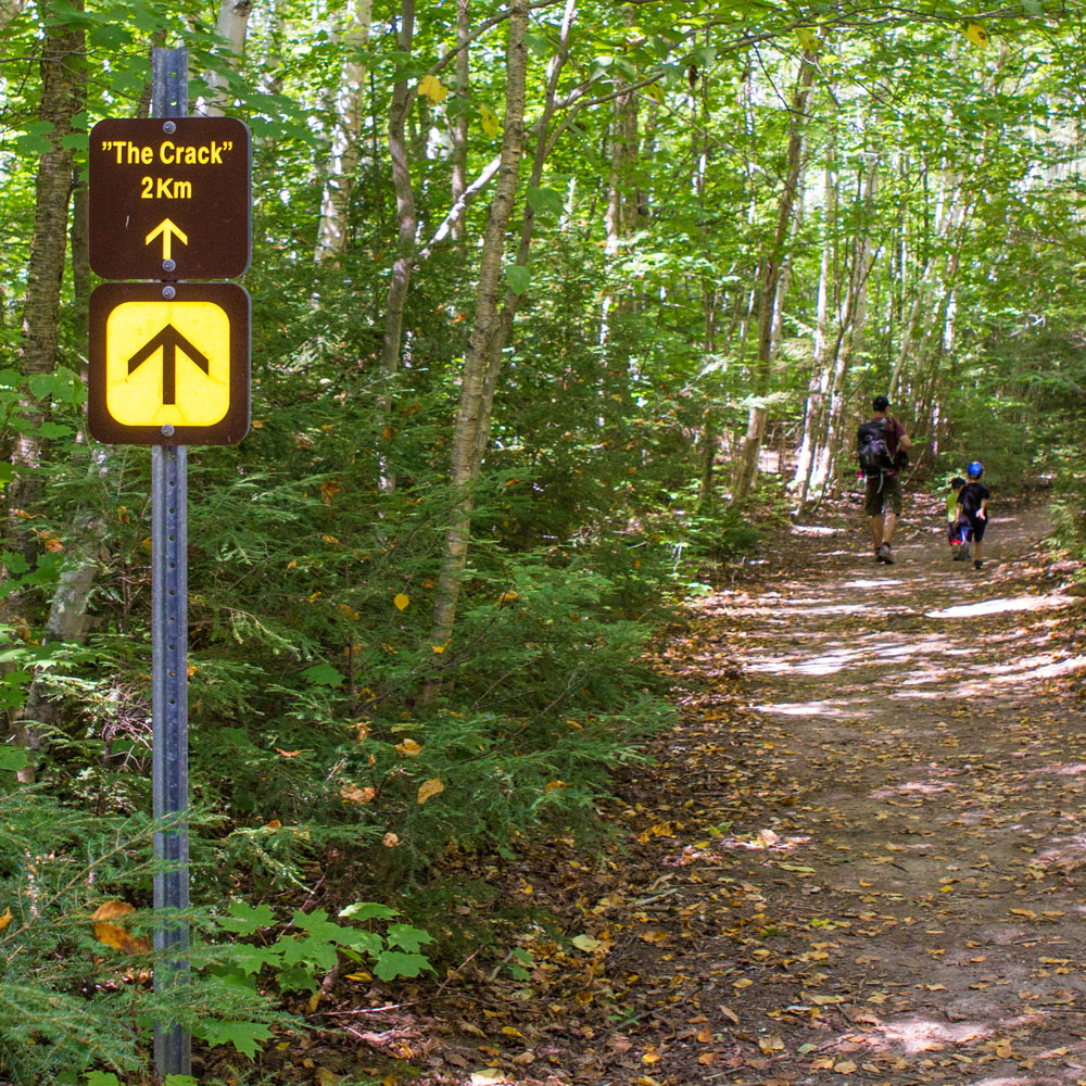 Trail sign for The Crack hike in Killarney Provincial Park - Hiking The Crack in Killarney with Kids
