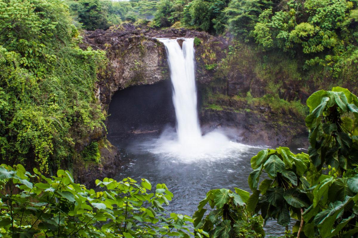 Waterfall spotting on the way to summit Mauna Kea.