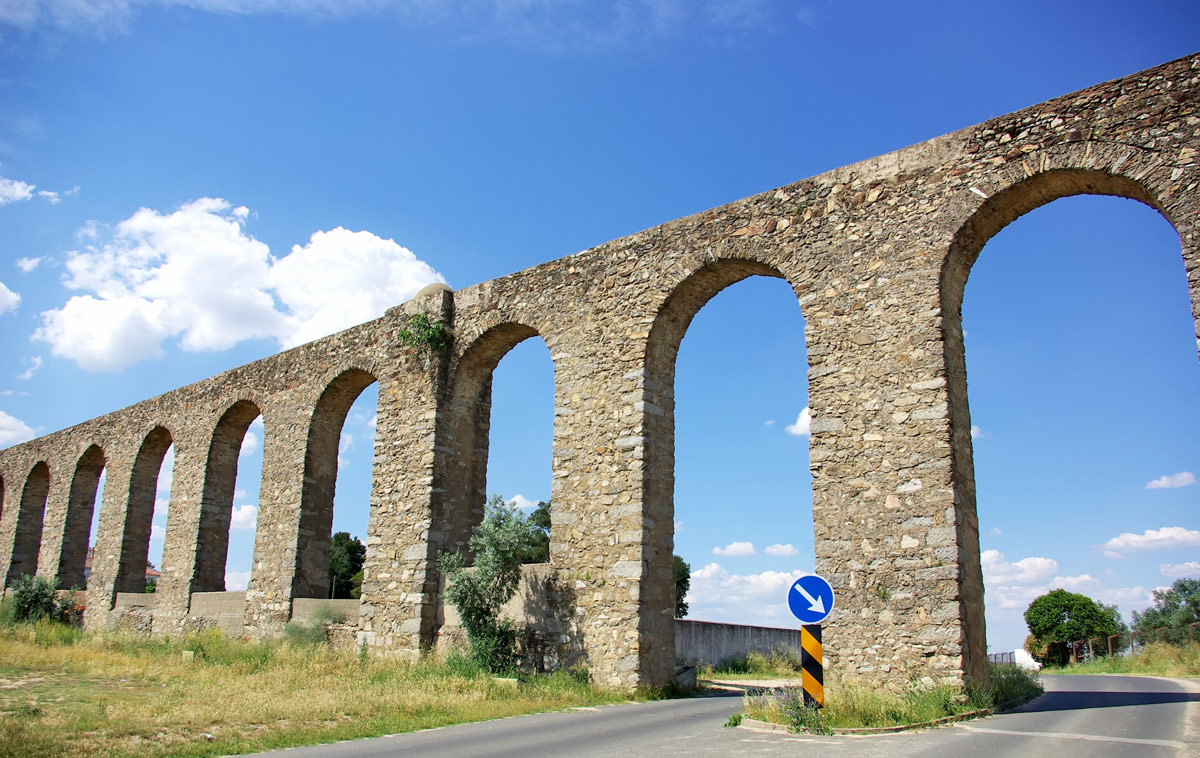 Aqueduct of Silver Water in Evora, Portugal.