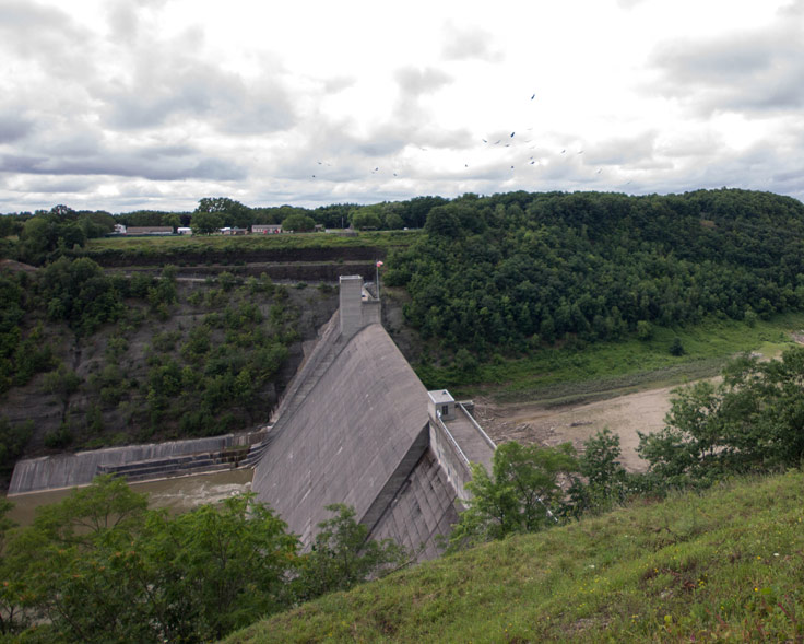The dam in Letchworth State Park in New York State