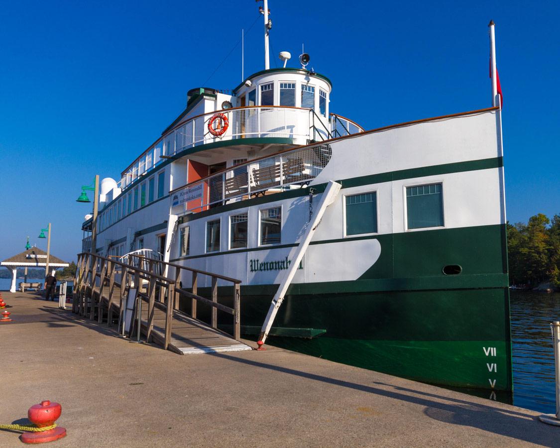 Wenonah II cruise ship on Lake Muskoka in Gravenhurst Ontario