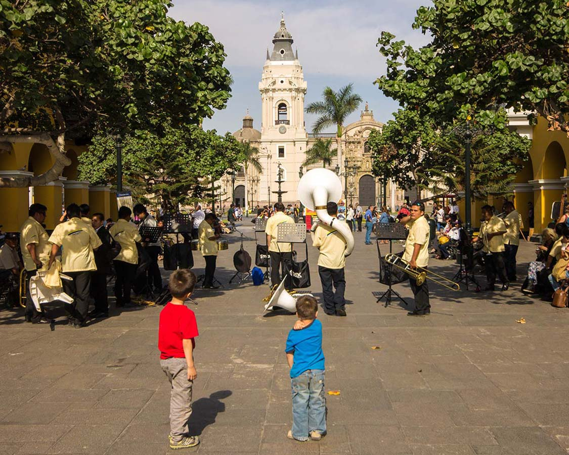 Lima Peru is one of the jewel cities in South America. But what do you do if you only have 24 hours in Peru with kids? Here's what we say with one day in Lima.
