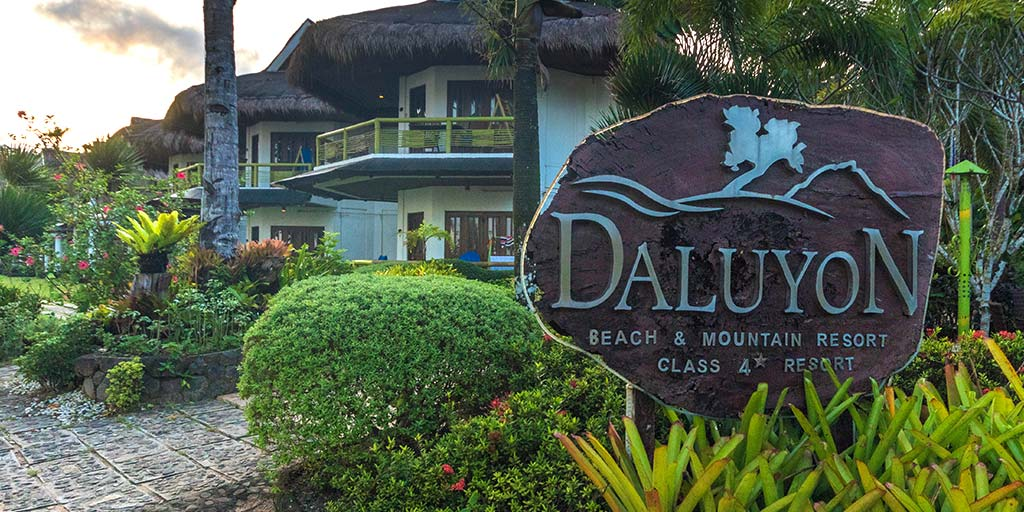 The Daluyon Beach and Mountain Resort is an eco-resort in the town of Sabang. It is one of the best hotels near the Puerto Princesa Underground River. With excellent amenities and a restaurant known for great local dishes, it has become one of the best hotels in Puerto Princesa. But does it live up to its reputation?