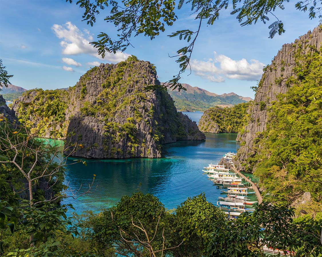 Looking for great tips for visiting Coron Palawan. From Kayangun Lake and the Twin Lagoons and the best hotels in Coron Island, here are our tips for Coron