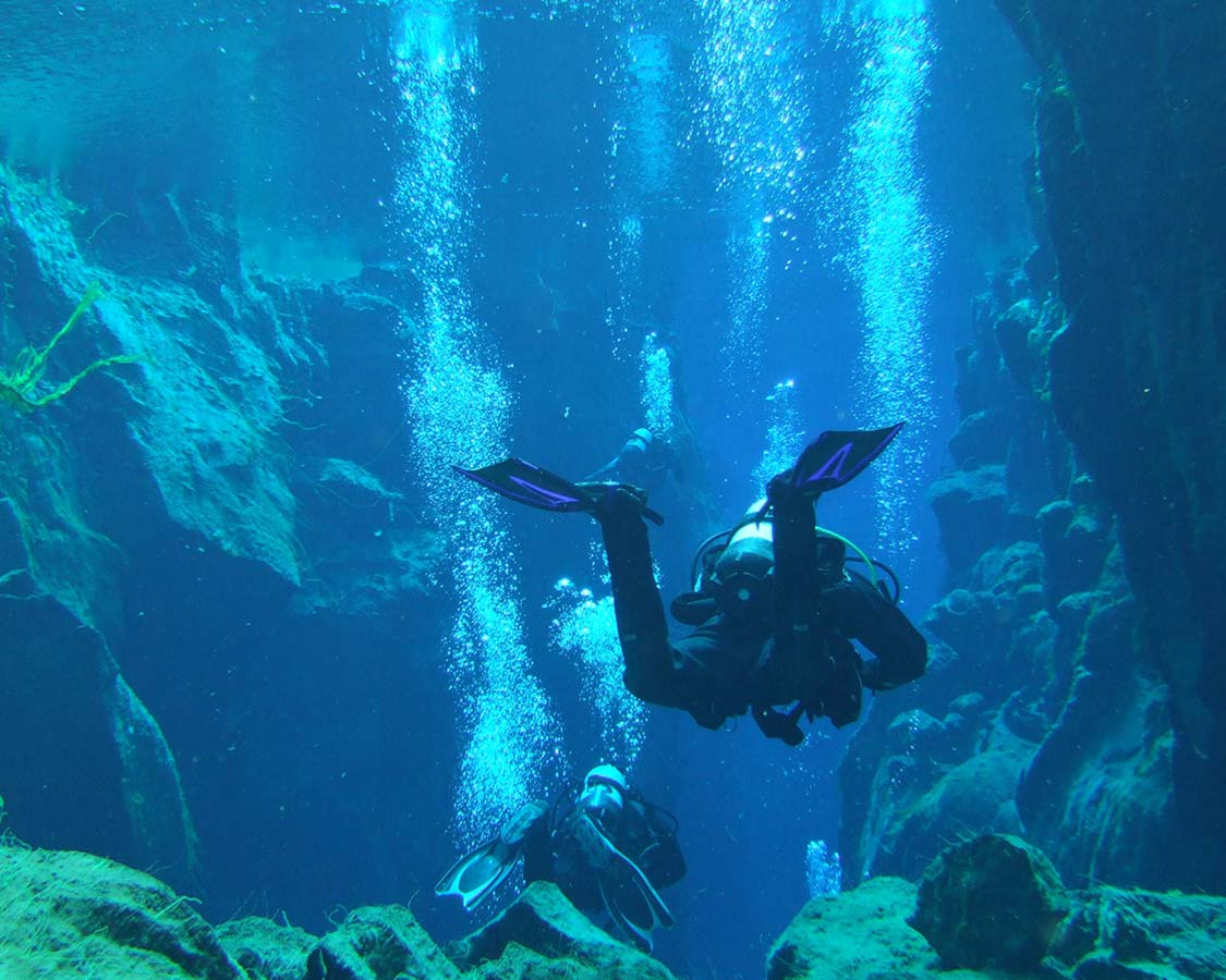 SCUBA Diving for famiiles Iceland Silfra Dive