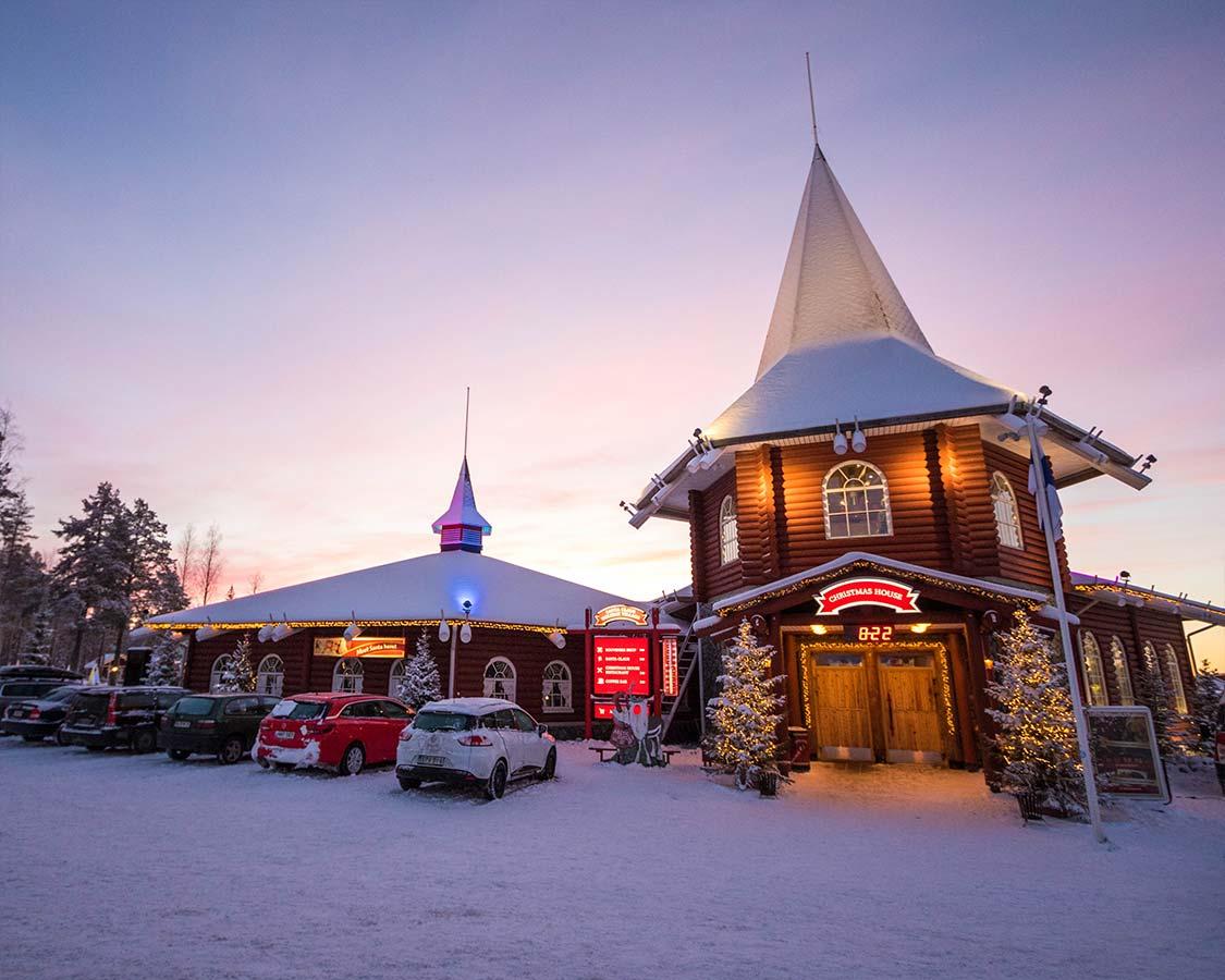 Rovaniemi-Santa-Village-Safar-Center
