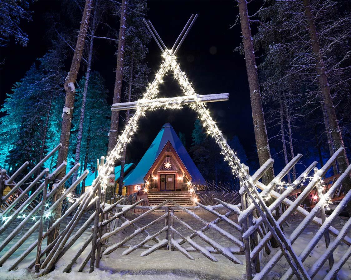 Santa-Claus-Village-Finland-at-night