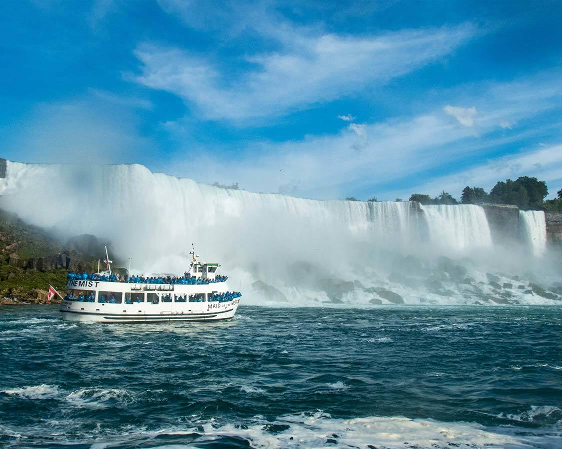 Niagara Falls Maid of the Mist with kids