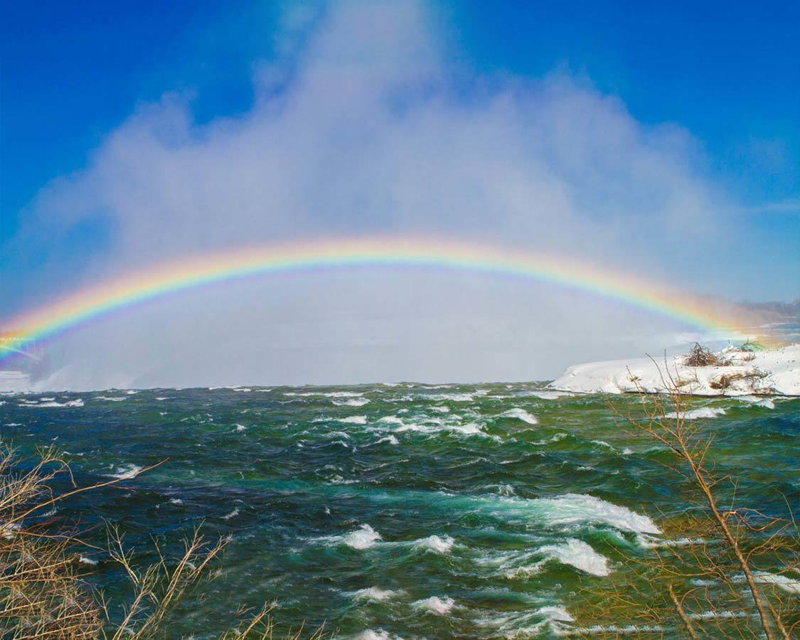 Rainbow over Niagara Falls for families