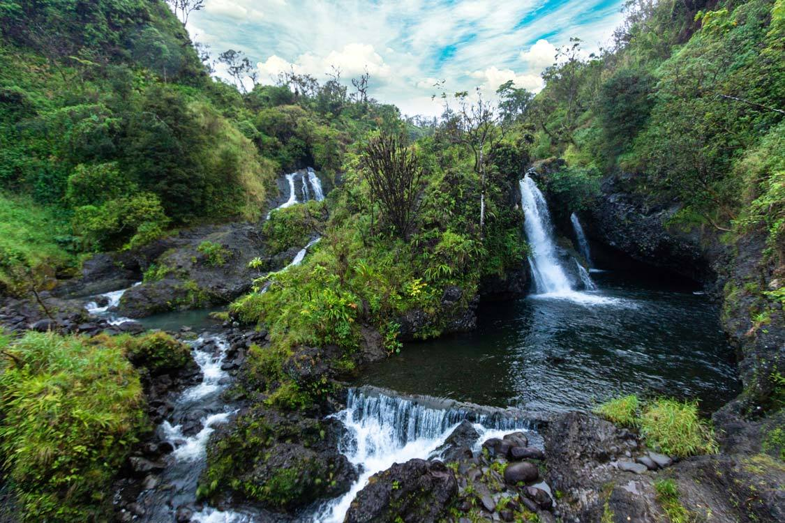 Hanawi Falls Road to Hana waterfalls