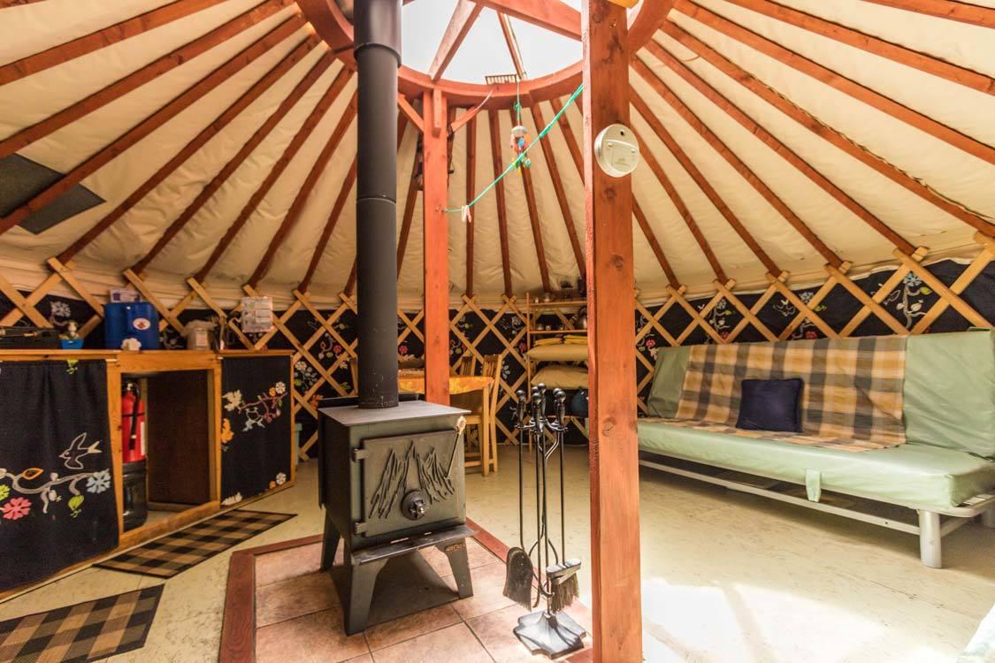 Piopolis Quebec Yurt Hebergement Aux Cinq Sens
