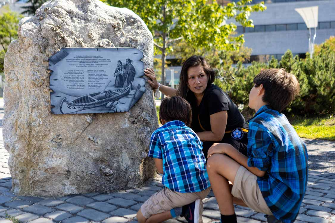 Indigenous Walks Art Tour In Ottawa with children