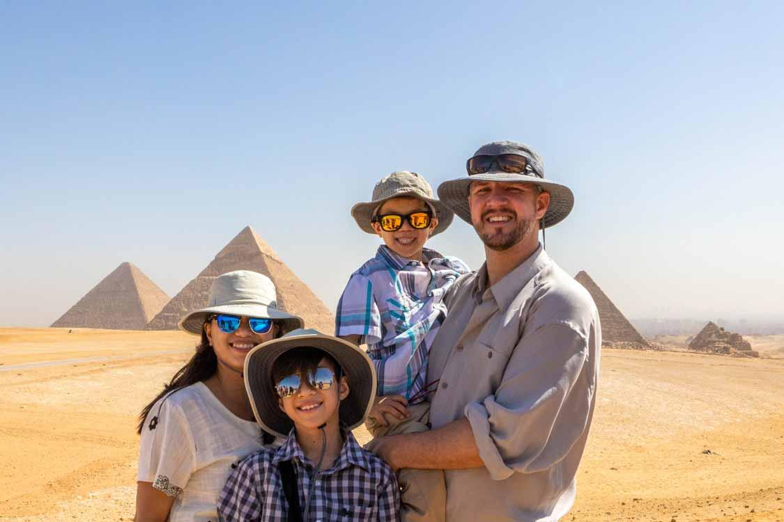wandering wagars in Giza Egypt