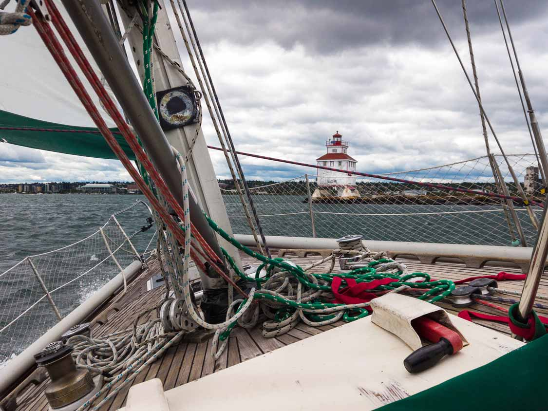 Sailing past the Welcome Island Lighthouse in Thunder Bay