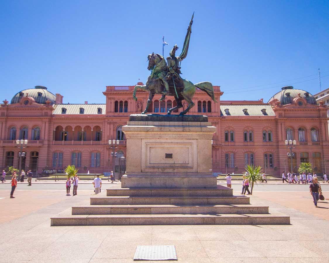 Coronado Rosa in Plaza de Mayo Buenos Aires