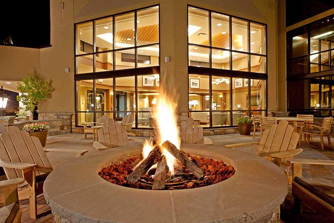 Holiday Inn hotel in Lake George