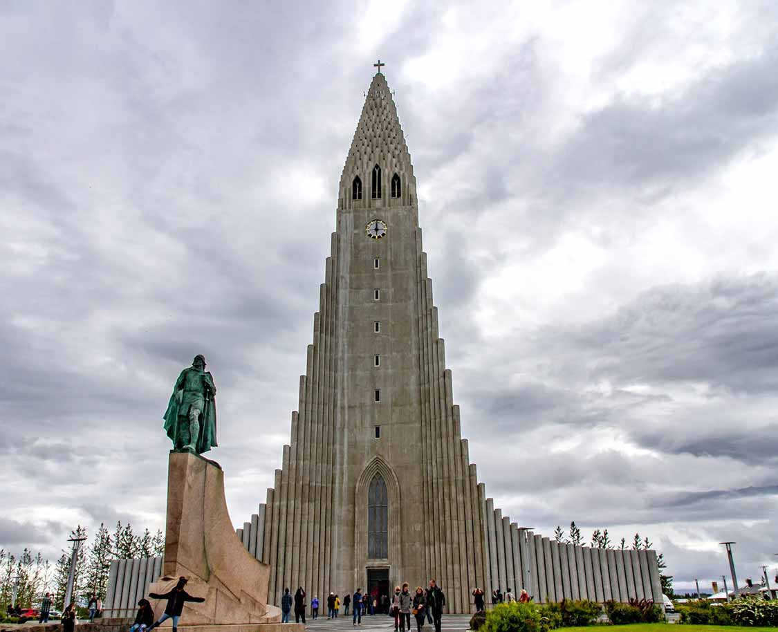 Hallgrmskirkja Church is one of the best things to see in Reykjavik