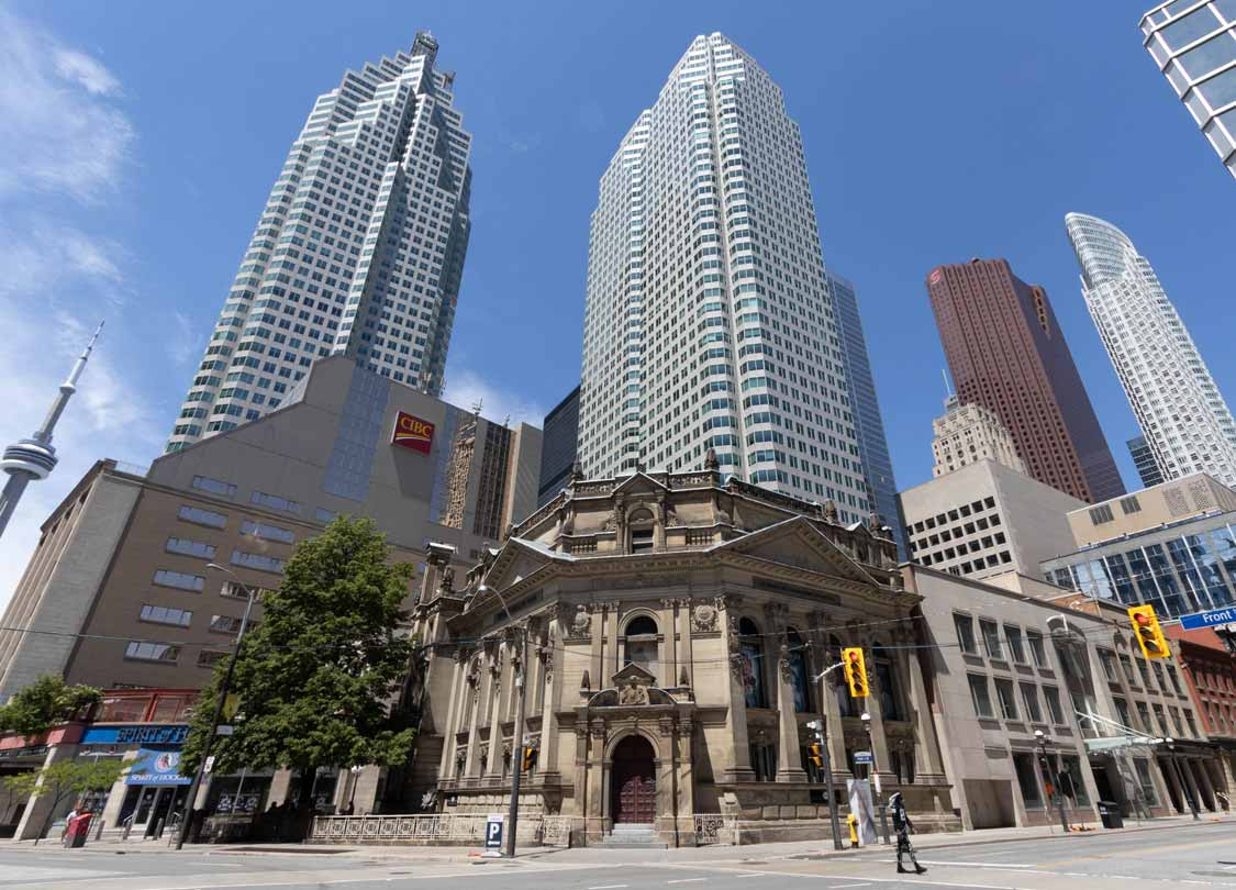 The Hockey Hall of Fame in Toronto with kids