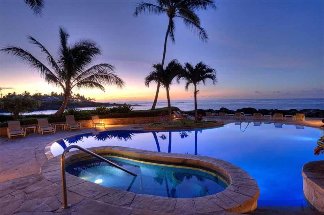 Whalers Cove Resort in Kauai
